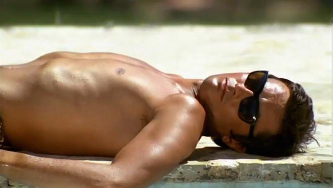 alain-delon-la-piscine-lunettes-vuarnet