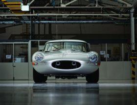 Jaguar réplique avec la Type-E Lightweight