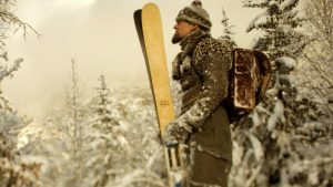 skis-rabbit-on-the-roof-les-hardis