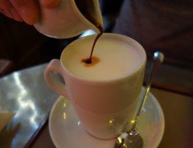 Un petit-déjeuner au Caffè Stern