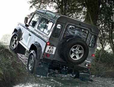 Land Rover Defender ou Mercedes G-Wagen ?