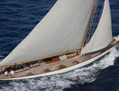 Moonbeam III, un yacht pur-sang aux enchères