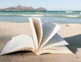 Sous les pavés, la page : 10 livres d'été à glisser dans votre valise