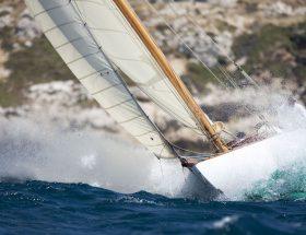 Yachts classiques : retour aux années folles dans le golfe de Saint-Tropez