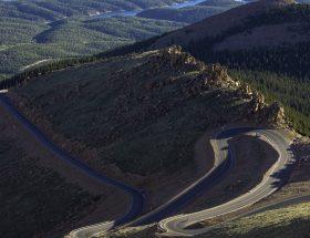 Pikes Peak International Hill Climb : une course de côte au sommet