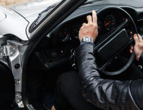 Portraits croisés : au rallye des 100 GT, l'heure tourne