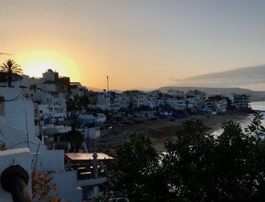 A Taghazout, le sud du Maroc, plus sauvage est la côte