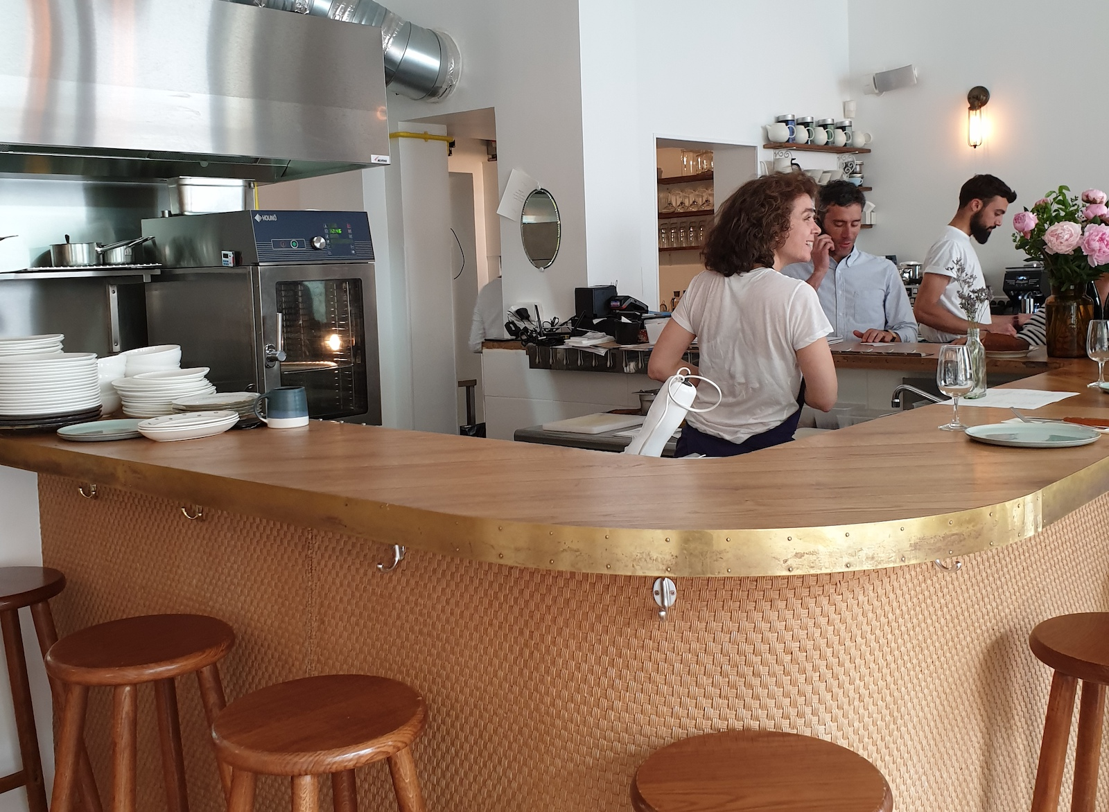 Coucou cafe restaurant paris 1