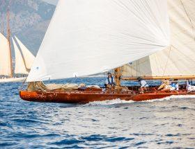 Aux Voiles de Saint-Tropez, Ester de retour sur l'eau après 80 ans d'absence
