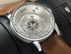 Horlogerie : Trilobe valent mieux qu'un