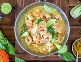 Créole, Thaïlandais ou Japonais, 3 recettes au curry pour un voyage immobile