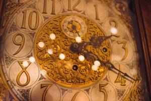 vintage-clock-christmas-les-hardis