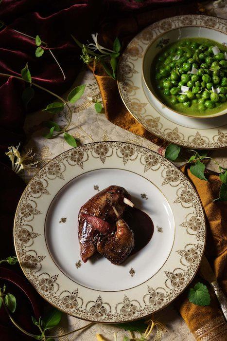 Pigeonneau aux petits pois les hardis cuisine francaise