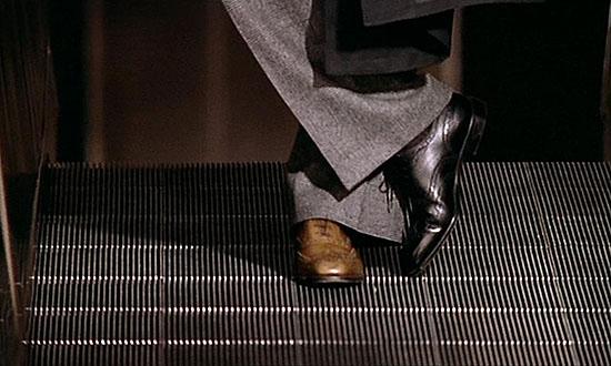 le-grand-blond-avec-une-chaussure-noire-2 les hardis