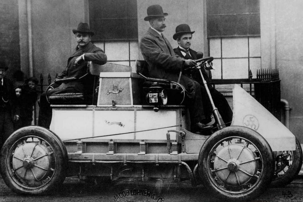 premiere-voiture-elecrtrique-les-hardis-2
