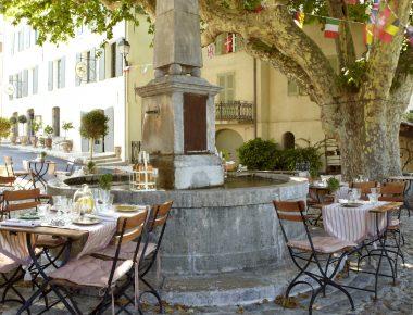 A Seillans, l'Hôtel des Deux Rocs