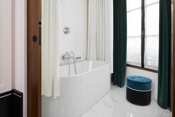 le-roch-hotel-spa-paris-les-hardis-1